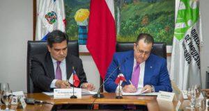 Dirección General Impuestos Internos busca bajar evasión con modelo chileno
