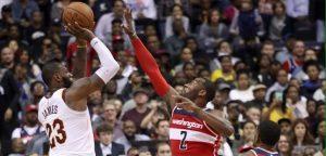 LeBron James llega a 29 mil puntos y los Cavs frenaron racha