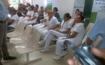 Trabajadores de la salud paralizan labores por 48 horas demandando reivindicaciones