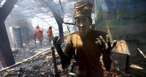 Un incendio arrasa el museo marítimo en capital de Indonesia