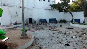Lanzaron granada en estación de policía en Colombia: al menos 6 muertos y varios heridos