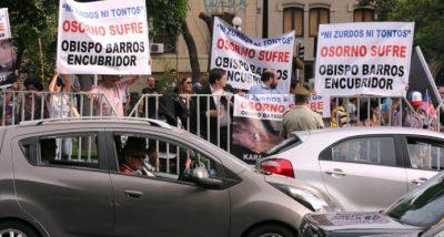 protesta al papa francisco