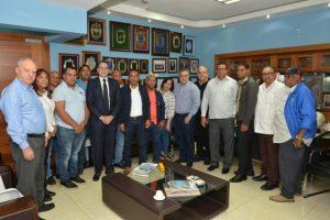 CNTT y Asecensa se reúnen en busca de solución a desorden del transporte en la ciudad