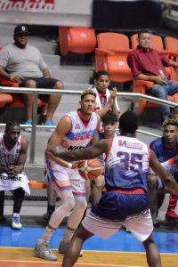Gran actuación de Ángel Núñez da primera victoria a CDP en la Semifinal