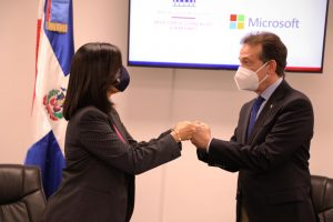 MICM y Microsoft unen esfuerzos para eficiencia institucional y apoyo  a emprendedores